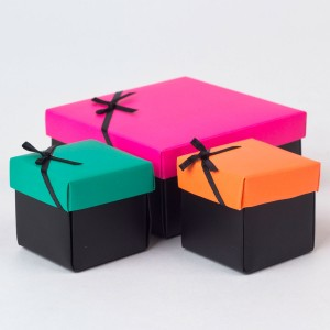 pink-orange--green-gift-boxes-set-of-3-_a